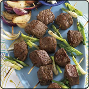 This Grass Fed Criollo Beef is delicious! ONION LOVER'S GRILLED STEAK KABOBS WITH CRUMBLED BLUE CHEESE